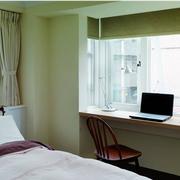 小户型的卧室飘窗