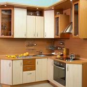 原木色温馨厨柜