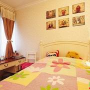 儿童房床头照片墙