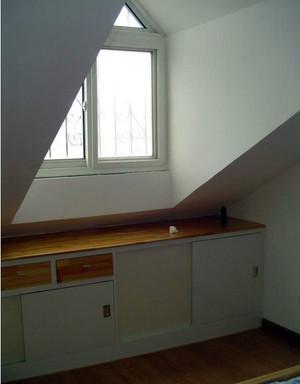 阁楼简洁天窗欣赏
