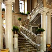 简欧风格的别墅楼梯