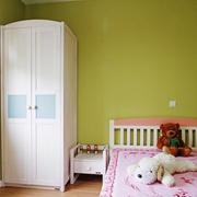 儿童房绿色墙面
