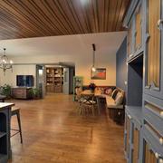 客厅天然木吊顶
