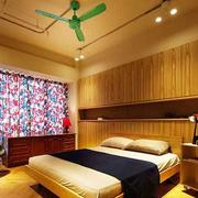 温馨的卧室床头装饰