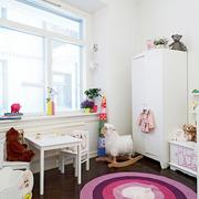 儿童房白色墙面展示