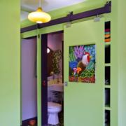 绿色卫生间隐形门