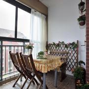简约阳台实木餐桌