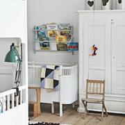 儿童房白色置物柜