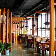 饭店实木隔断设计