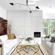 客厅白色的装潢
