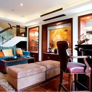 别墅客厅沙发摆放