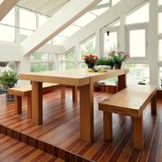 阁楼实木桌椅图片