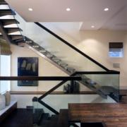 大户型玻璃楼梯