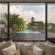 别墅露台游泳池