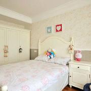 素雅浅色的儿童房