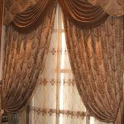 黄色富贵的窗帘