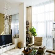 客厅镂空电视墙展示