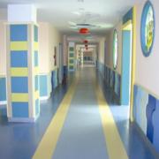 幼儿园紫蓝色走廊