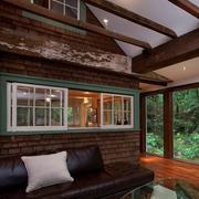 木屋休闲沙发设置