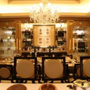 富豪之家的餐厅灯