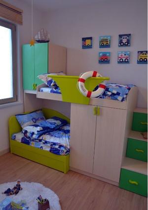 绿色实用的儿童床