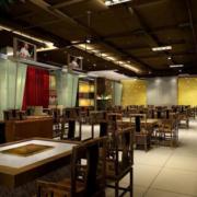 新中式火锅店实木餐桌