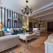客厅沙发条纹背景墙