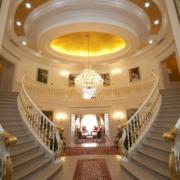 宫殿式别墅楼梯