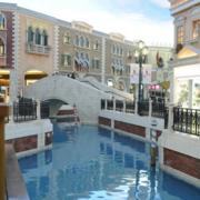 欧式大酒店池塘