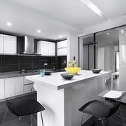 黑白时尚的厨房
