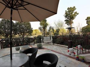 气氛诱人的欧式古典风格露台花园设计图片鉴赏