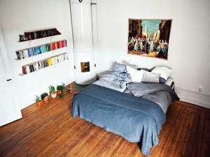两室一厅日式朴实原木卧室装修效果图