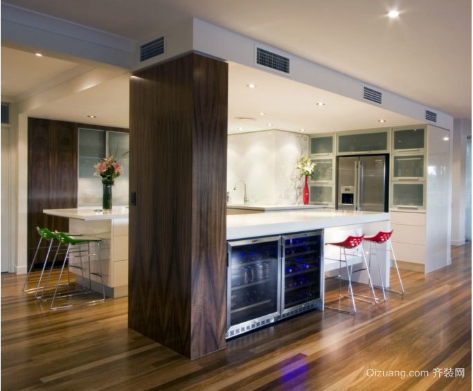 2015色泽艳丽的欧式厨房设计装修效果图