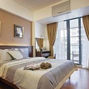 简单淡雅的卧室
