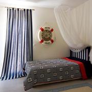 简洁干净的卧室