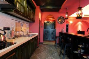 厨房黑色吧台图
