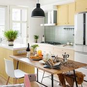 厨房餐桌椅图片
