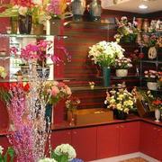 鲜花缭绕的花店