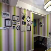 精致的客厅照片墙展示