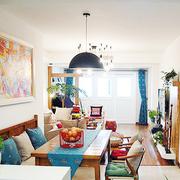 颜色多样的客厅照片墙