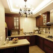 厨房精致的橱柜图