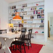 书房白色的书架展示