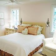 简单明了的卧室