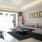 房屋客厅转角大沙发