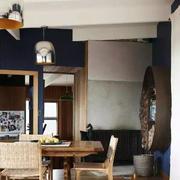 餐厅实木餐桌椅摆放