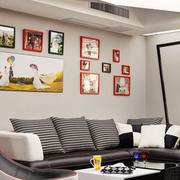 凸显个性的客厅照片墙