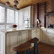 厨房现代化的吧台