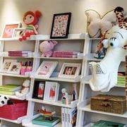 书房可爱的书架装饰