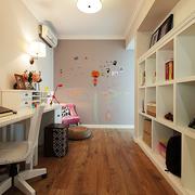 简洁干净的书房