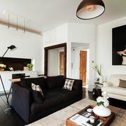 房屋客厅精致装饰画